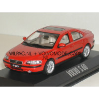 Volvo S60 2000 rood 1:43 Minichamps 1:43