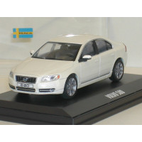 Volvo S80 2009 wit metallic Motor Art 1:43