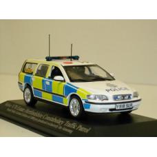 Volvo V70 2000 Hertfordshire Traffic Patrol politie Minichamps 1:43