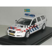 Volvo V70 2007 KLPD Nederlandse Politie Cararama 1:43 in vitrine