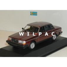 Volvo 240 GL 1986 donker rood metallic Maxichamps 1:43