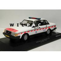 Volvo 240 1:18 240GL 244 POLITIE Nederlandse Politie Minichamps oranje wit