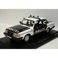 Volvo 240 1:18 240GL 244 POLITI Noorse Politie Minichamps zwart wit