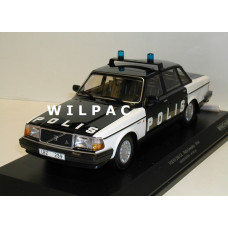 Volvo 240 1:18 240GL 244 POLIS Zweedse Politie Minichamps Zwart Wit