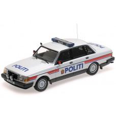 Volvo 240 1:18 240GL POLITI 244 Noorse Politie Minichamps