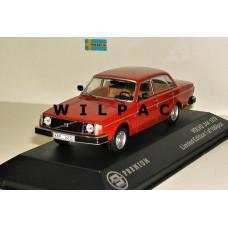 Volvo 244 1978 rood Triple 9 1:43