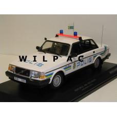Volvo 240 1:18 240GL POLIS 244 Zweedse Politie Minichamps