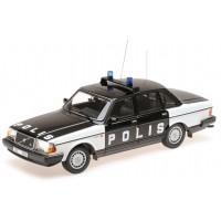 Volvo 240 1:18 240GL POLIS 244 zwart-wit Zweedse Politie Minichamps
