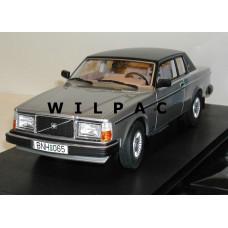 Volvo 262C Bertone  zilvergrijs metallic 1979 Cult 1:18