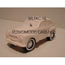 Volvo PV444 wit Combiplay Alskog Design 1:32