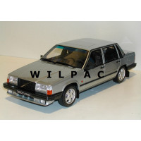 Volvo 740 Turbo 1:18 lichtgroen metallic 1987 OTTO mobile