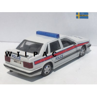Volvo 850 T5 Engelse Politie Police Code 3 o.b.v. AHC 1:43