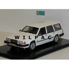 Volvo 940 GL 945 Estate 1990 wit NEO 1:43