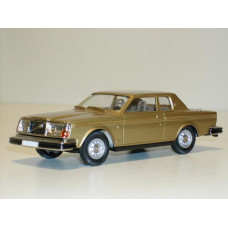 Volvo 262C Bertone goud metallic 1977 Rob Eddie RE17b 1:43