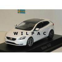 Volvo V40 2016 cristal white metallic Norev 1:43