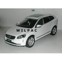 Volvo XC60 1:18 2014 wit metallic CSM