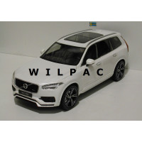 Volvo XC90 1:18 2015 wit metallic GTA